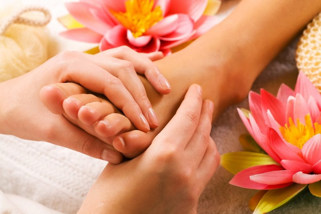 How to Give a Foot Massage Like a Pro